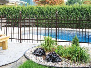 clôture, ornemental, résidentiel, cour, arrière, terrain, brun, piscine, sécurité, esthétique