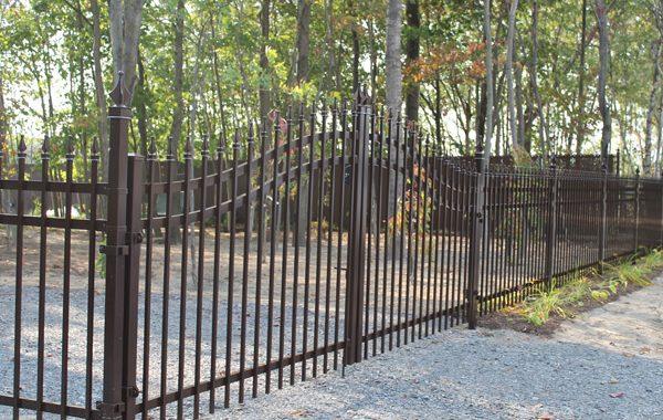 Clôture avec barrière